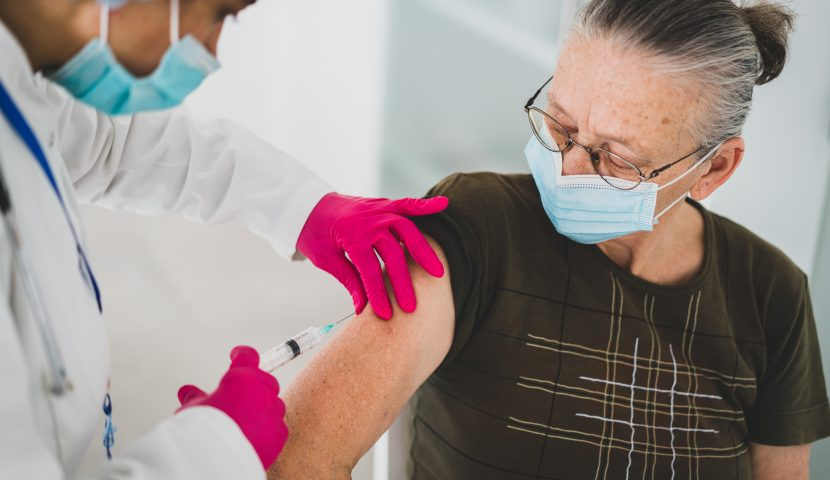 RDV de vaccination : le CCAS accompagne les seniors valletais